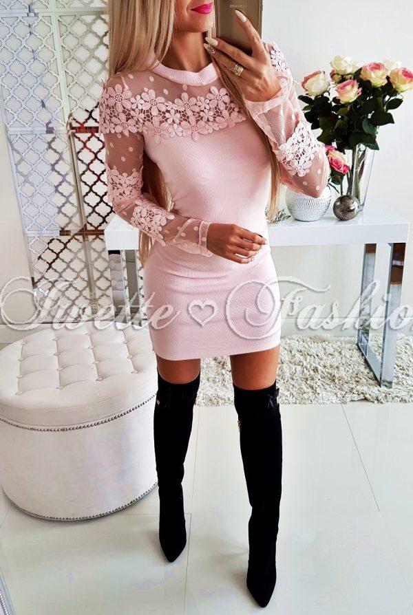 Sukienka Sweterkowa Kwiaty Puder